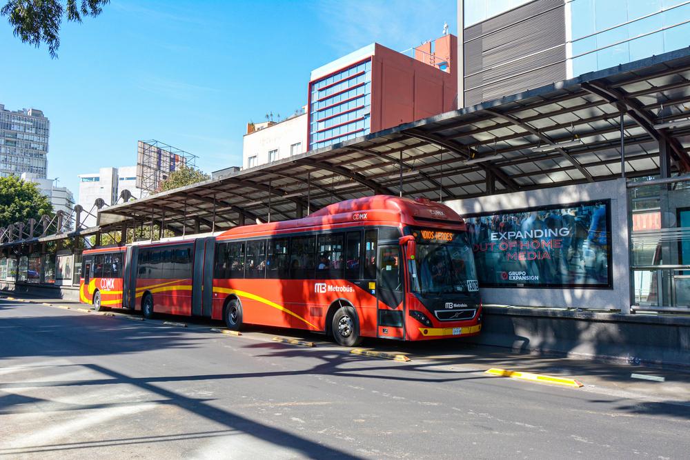 Ahora puedes recargar tu tarjeta de Metrobús con tarjeta de crédito o débito.